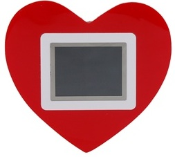 Heart shaped digital picture frame